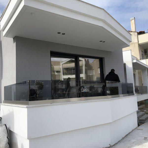Γυάλινα μπαλκόνια με τζάμια ασφαλείας. Μίχος τζάμια, Ωραιοκάστρου 35, Σταυρούπολη, Θεσσαλονίκη